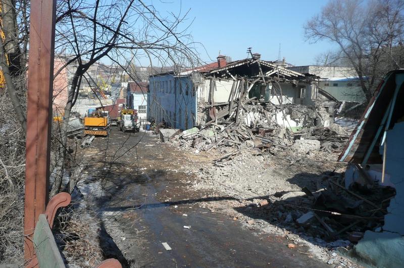 Снос цеха запасных частей 26 февраля 2009